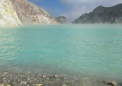 acidic lake at ijen crater - indonesia (chillntravel) Tags: travel indonesia topv333 eastjava ijencrater jawatimur ijen kawahijen