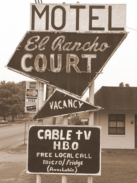 El Rancho Court