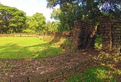 The way out... (E.C.L.) Tags: brick heritage wall way thailand temple site ancient gate si kingdom tailandia thalande unescoworldheritagesite unesco siam kloster weg mauer pflaster sukhothai tailndia  historicalpark ziegel  sisatchanalai schief  satchanalai   geschichtspark totallythailand