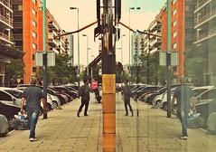 Espejo (gus926gl) Tags: street city man building men persona mirror calle edificio ciudad personas espejo hombre hombres