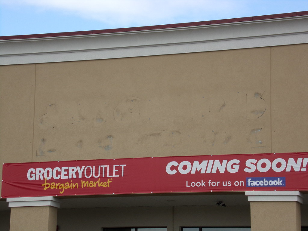 Former Just Cabinets/Weis Chambersburg, PA (COOLCAT433) Tags: Just Pa Former