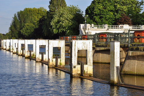Teddington Lock spillway