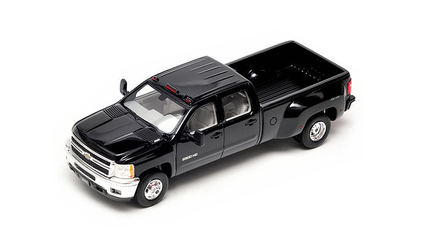 car truck model pickup chevy silverado 2500 glm 143 diecast