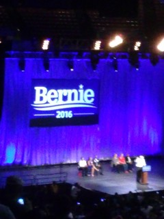 From flickr.com/photos/26025405@N00/19881589284/: Bernie 2016