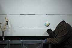 6-365 (D.Delgado87) Tags: morning mañana magia fantasma alicante taza bata starbucks minimal minimalismo cocina contraste desayuno cafe lineas adobe photoshop canon proyecto portrait color