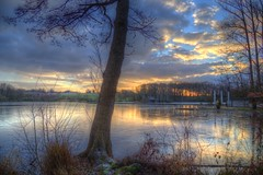 Winter Mood (blavandmaster) Tags: winter deutschland himmel clouds ciel duitsland countryside landschaft janvier paysage nrw sonnenuntergang wolken handheld 24105 photomatix christiankortum canon 2017 januar landscape kreisherford tyskland wasser water coucherdesoleil happy colours hückermoor lac snow allemagne processing hdr germany beautiful interesting harmonic lake light awesome hiver ostwestfalen eos6d spenge westfalen perfect schnee nuages eau january sky