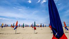 la plage de Deauville (amateur72) Tags: mer beach wideangle fujifilm normandie plage parasols deauville xt1 xf1024mm