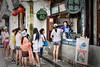 Happy Seller (Gee!Bee) Tags: china street travel suzhou hdr carlzeiss planart1450 travelerphotos canon6d carlzeissplanart50mmf14ze planer5014ze
