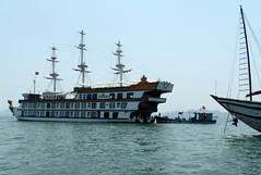 SAM_0355 (xd_travel) Tags: vietnam halong southchinasea halongbay cruiseboat 2015