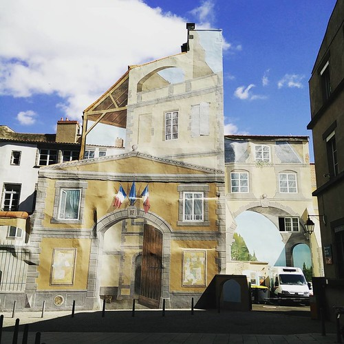 Actual reality. #auvergne #trompe-l'oeil