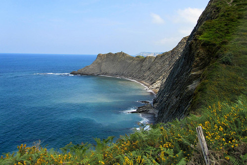 spain-basque-inn-to-inn-camino-del-norte-zumaia-cliffs-4-