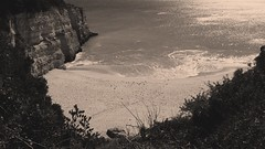 2016-12-28_10-59-06 (niknak2016) Tags: seascape sunreflectiononsea seaandsky seafront stillsea sea cove beach beachphotography beautyinnature naturalbeauty nature naturephotography ocean oceanphotography holidays shallowwaters water portugal rocks cliffs cliffside picturesque blackandwhite monochromephotography monochrome algarve