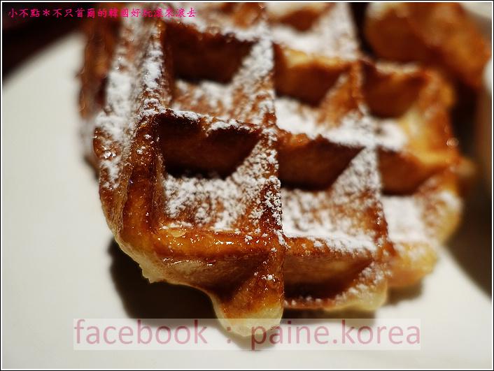 新村梨大 waffle it up cafe (16).JPG