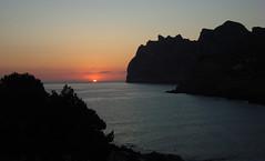sunrise 2 (tonycrake) Tags: san majorca calasanvicente