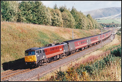 86226, Cowperthwaite (Jason 87030) Tags: virgin vermin beckfoot cowperthwaite wcml express al6 class85 86226 charlesrenniemackintosh 35mm scan color colour red livery br wires trcks transport 2001 october train wheels actraction alternatingcurrent engine electric scene view trees