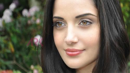 Armeena Rana Khan Pakistani Actress Hd Wallpaper Stylish Hd