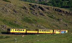 Le train jaune vers Estavar (thierry llansades) Tags: 66 po catalunya pyrenees pyrénées cerdanya conflent catalogna cerdagne catalogne pyrénéesorientales pyrenées pyrenéesorientales lanoux estavar cerdagna cerdana