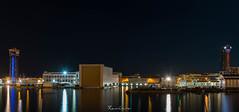 Puerto de Barcelona (Caminante ...) Tags: barcelona worldtradecenter nocturna maremagnum