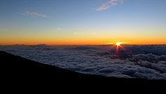 Haleakala volcano (PeterCH51) Tags: hawaii maui haleakala volcano sunset sun clouds scenery landscape peterch51 haleakalanationalpark haleakalā