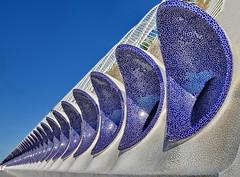 Valencia: L'Umbracle (gerard eder) Tags: architecture architektur arquitectura modernarchitecture calatrava santiagocalatrava world travel reise viajes europa europe españa spain spanien städte valencia ciudaddelasartesyciencias cityofartsandsciences stadtderkünsteundwissenschaften car park lumbracle