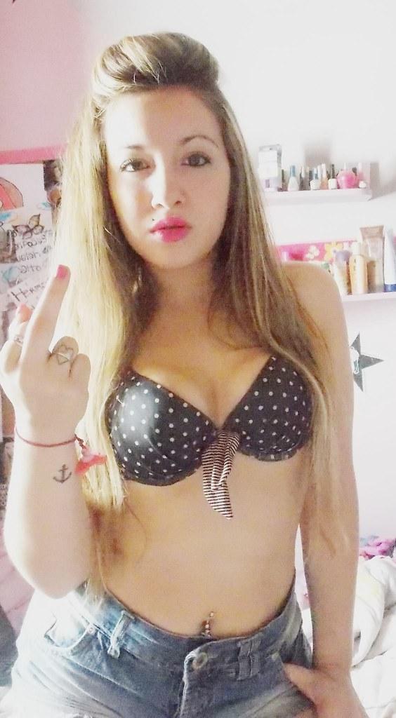 Lola Hot