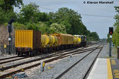 073 departs Clonsilla, 18/6/15 (hurricanemk1c) Tags: irish train gm rail railway trains railways irishrail generalmotors 2015 emd clonsilla 071 073 iarnród éireann iarnródéireann weedspraytrain 1005northwallm3parkway