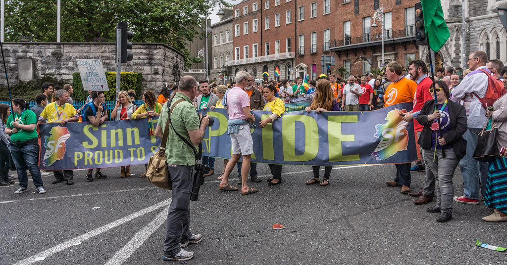 PRIDE PARADE 2015 - JERRY ADAMS AND MARY-LOU McDONALAD WERE THERE [WERE YOU THERE?]-REF-106311