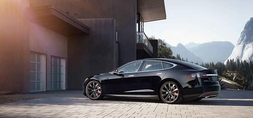 Tesla Model S P90D