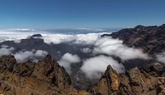 La Palma (bernd obervossbeck) Tags: photography volcano den caldera lapalma vulkan kanarischeinseln canarianislands landschaftsfotografie vulkaninsel roquedelosmuchachosfelsenrocksrockcloudswolkenabove cloudsüber wolkennaturnatureoutdoorlandscapelandschaftlandscape