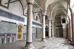 IMG_8851 (storvandre) Tags: travel history turkey site mediterranean istanbul turismo viaggio turkish sultanahmet turchia santasofia storvandre