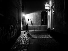 night walk (Sandy...J) Tags: atmosphere noir night street blackwhite monochrom urban walk man alone darkness
