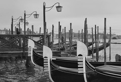 3 gondole (poludziber1) Tags: venice venezia street city cityscape lamp gondola italia italy blackwhite blackandwhite sea water winter urban europe old skyline