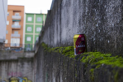 Momentáneo (aidaphotodreamer) Tags: lata cerveza basura calle