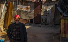 Si no estás solo te lo haces por postura (amoguan) Tags: fez maroco morroco marruecos homeless light