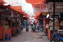 DSCF4872 (ababh) Tags: sumatra indonesia market bukittinggi  pasaratas madderred