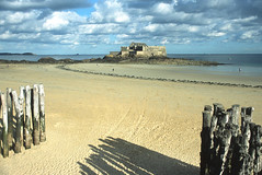 Fort National (vkoehne) Tags: sea france film brittany fuji bretagne t90 fortress provia100f fd canonfd