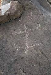 Petroglyph / Swansea Site (Ron Wolf) Tags: california archaeology lizard nativeamerican petroglyph anthropology rockart zoomorph pecked cainy272