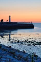 L'entre de St Martin (Nijule) Tags: longexposure france port nikon harbour dusk fortification crpuscule phare ileder vauban rempart 2015 poselongue stmartinder d7100 nijule