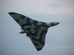 Avro Vulcan XH558 - Flypast (davepickettphotographer) Tags: uk tour force aircraft flight wing jet delta olympus v gb duxford vulcan cambridgeshire avro imperialwarmuseum em1 iwm flypast coldwarjet olympuscamera vforce vulcantothesky xh588 thespiritofgraetbritain