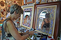 Retratos enmarcados, Toledo. (eustoquio.molina) Tags: retrato toledo marco cuadro antiguedades antigüedades