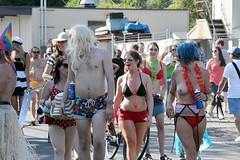 Beach Partygoers (Chicago John) Tags: seattle fair fremont parade solstice 2015 fremontfair