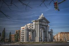 Puerta de San Vicente (Madrid) (José Antonio Domingo RODRÍGUEZ RÓDRÍGUEZ) Tags: arco puerta glorieta madrid eos70d