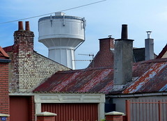 (MAGGY L) Tags: dmcfz200 chateaudeau toits roofs garage cheminées chimneys ville arras