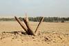Rajajil affaissé (Délirante bestiole [la poésie des goupils]) Tags: arabie saudiarabia standingstones menhir rajajil sakaka protohistoire chalcolithic ancient archeology archéologie