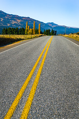 Autumn Parallels (Gav Owen) Tags: 2048 23 autumn canonef2470mmf28liiusm gavowen metabonesadapter newzealand sonya7rii asphalt bitchumen grey lines markings mountains mountainside outdoor road roadtrip yellow speargrassflat otago geo:country=newzealand exif:aperture=ƒ13 camera:make=sony exif:focallength=28mm exif:make=sony geo:state=otago geo:city=speargrassflat exif:lens=2470mmf28gssmii geo:lon=16874829444445 exif:isospeed=200 geo:lat=44952475 camera:model=ilce7rm2 geo:location=malaghansroad exif:model=ilce7rm2