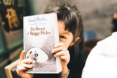 The Secret of Spiggy Holes. (MichelleSimonJadaJana) Tags: color sony ilce7rm2 α a7rii a7r ii full frame emount femount nex fe sel35f14z distagon t 35mm f14 za vsco documentary lifestyle snaps snapshot portrait childhood children girl girls kid jada jana hong kong 香港