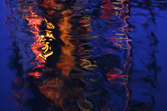 Waterworld 673 (mtnrockdhh) Tags: light abstract reflection water glass refraction