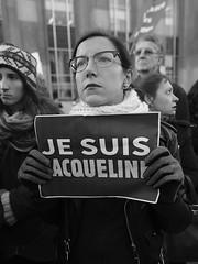 _DSF8560 (sergedignazio) Tags: france paris trocadéro tour eiffel street photography photographie rue fuji xpro2 manifestation rassemblement fenmen jacqueline sauvage justice prison