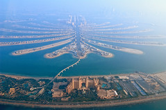 The Palm Jumeirah (MaddixLuxx) Tags: none nikon d2x tokina1116 tokina 1116 otter water plane sea vae uae vereinigte arabische emirate united arab emirates atlantis palm jumeirah beach dubai abu dhabi travel