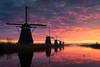 Morning Glory (Vincent Fn) Tags: kinderdijk color dutch kleuren landscape landschap molens nederland netherlands refelectie reflection sun sunrise zonsopkomst windmills unesco worldheritage